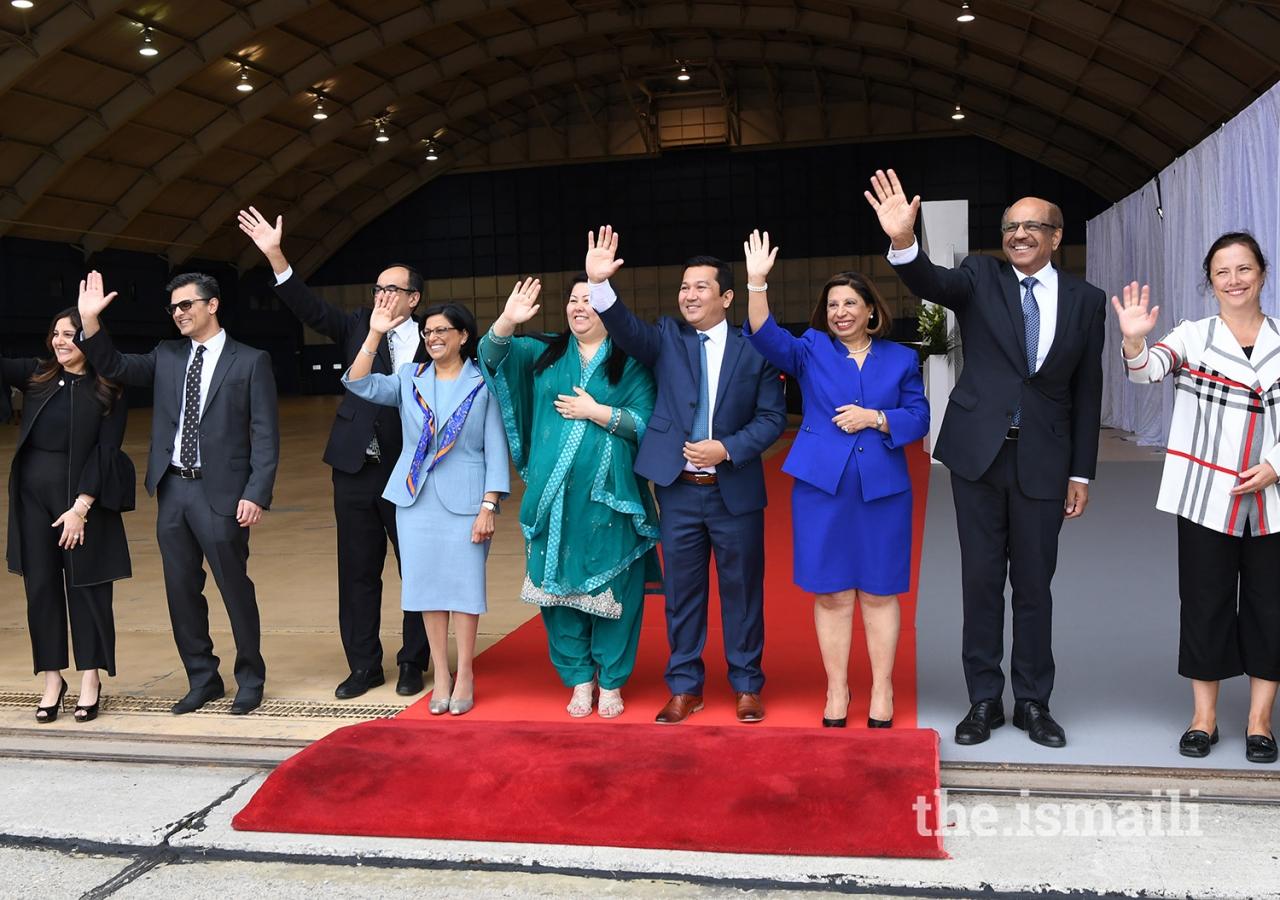 Various leaders of the Jamat wave goodbye as Mawlana Hazar Imam departs Ottawa during his Diamond Jubilee visit to Canada.