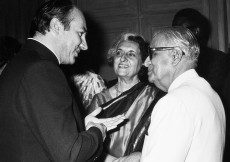 Mawlana Hazar Imam in conversation with Prime Minister, Indira Gandhi, and Indian Vice-President Hidayatullah. (New Delhi, 1980)