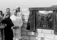 Mawlana Hazar Imam and the Chief Minister of Gujarat, Shir Madhavsinh Solanki, unveiling the plaque at the Foundation Ceremony of the Aga Khan Medical Centre at Jonpur, one of India's Silver Jubilee projects. (Jonpur, 1983) Christopher Little