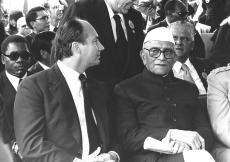 Mawlana Hazar Imam with the Prime Minister of India, Morarji Desai, at the funeral of the first Kenya President and founding father of the Kenyan Nation, Mzee Jomo Kenyatta. (Nairobi, 1978) AKDN