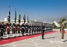 A guard of honour prepares to receive Mawlana Hazar Imam at the Aiwan-e-Sadr, the official residence of President Mamnoon Hussain