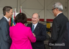 Lieutenant Governor of British Columbia Janet Austin and Mayor of Vancouver Gregor Robertson in discussion with Mawlana Hazar Imam at Vancouver airport.