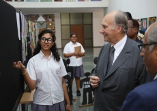Aga Khan Academy student Khushboo presents her research project about starting a library in a local girls school to Mawlana Hazar Imam. AKDN / Ahmed Charania