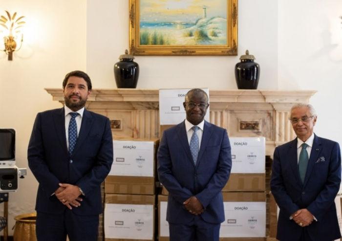 Vice-President of the Oeiras Municipal Council, Mr. Francisco Rocha Gonçalves; Ambassador of Guinea-Bissau to Portugal, Mr. Helder Vaz; Diplomatic Representative of the Ismaili Imamat, Nazim Ahmad; at the Delegation of the Ismaili Imamat in Lisbon.
