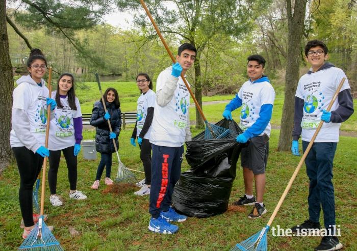 I-CERV volunteers of all ages take pride in supporting the beautification of Whitney Pond Park.