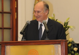 Mawlana Hazar Imam addresses the gathering during the inauguration of the renovated Polana Serena Hotel.