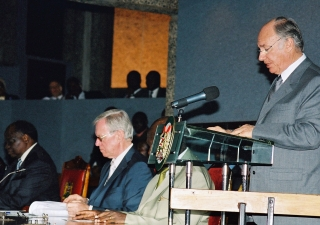 Mawlana Hazar Imam speaking at the opening ceremony of the International Press Institute (IPI) Conference in Kenya.