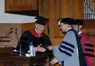 His Highness the Aga Khan receiving the degree of Doctor of Humane Letters from AUB President John Waterbury and AUB Provost Peter Heath.
