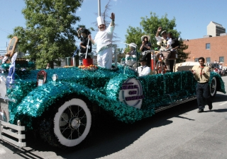 Calgary's Ismaili Muslim community was honoured to win the 2006 Best Overall and Most Creative prize for their float, which partnered with the Calgary Meals on Wheels agency.