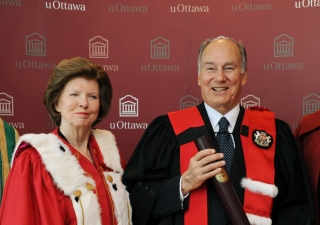 Mawlana Hazar Imam together with AKU President Firoz Rasul, University of Ottawa Chancellor Huguette Labelle and President Allan Rock, after Hazar Imam received an honorary doctorate from the University.