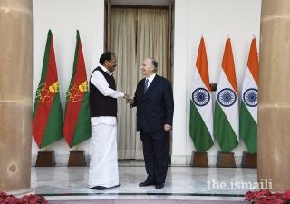 Vice President of India Shri M. Venkaiah Naidu receives Mawlana Hazar Imam at the Hyderabad House in New Delhi.
