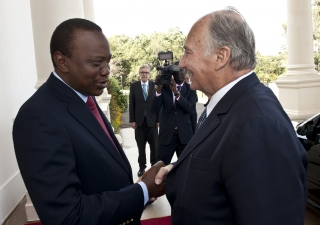 Mawlana Hazar Imam and President Kenyatta meet at State House in Nairobi. AKDN / Aziz Islamshah