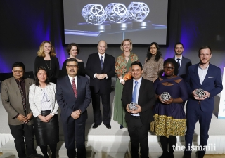 Mawlana Hazar Imam and Global Centre for Pluralism Secretary General Meredith Preston McGhie join the Global Pluralism Award recipients for a group photograph.