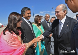 Mukhi Saheb, Mukhiani Saheba, Kamadia Saheb, and Kamadiani Saheba of Lisbon Darkhana welcome Mawlana Hazar Imam upon his arrival in Portugal.