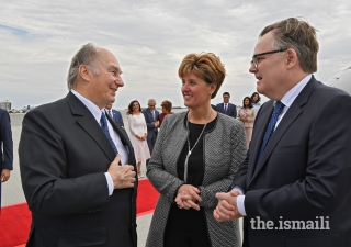 The Honourable Marie-Claude Bibeau, Minister of International Development and La Francophonie, together with Ambassador Marc-André Blanchard, the Permanent Representative of Canada to the United Nations, welcomes Mawlana Hazar Imam to Canada.
