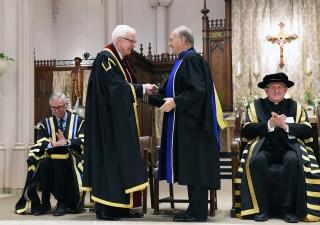 Richard Alway, Praeses of the Pontifical Institute of Mediaeval Studies congratulates Mawlana Hazar Imam upon the conferring the honorary degree. Zahur Ramji
