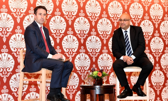 Ali Velshi and moderator John Stackhouse discuss how the creation of fake news obscures facts and prevents needed debate about important world events. Akber Dewji