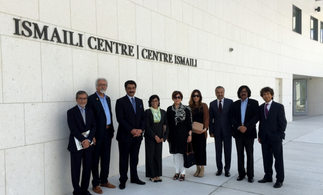 Ambassador Ghalib Iqbal with his family and members of the Ismaili Council for Ontario. Courtesy of the Ismaili Council for Ontario